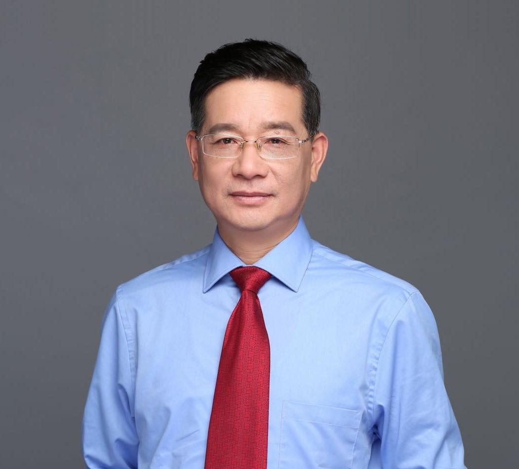 第八届侨界贡献奖人物风采录(三十三) 叶志彪:做人民和学生的引路人